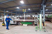 Kranbahn 2/3 (2 x 4 to / 2 x 8 to) <br />Abmessungen 105 - 300 mm ø <br /> im Vordergrund unsere Zentriereinrichtung